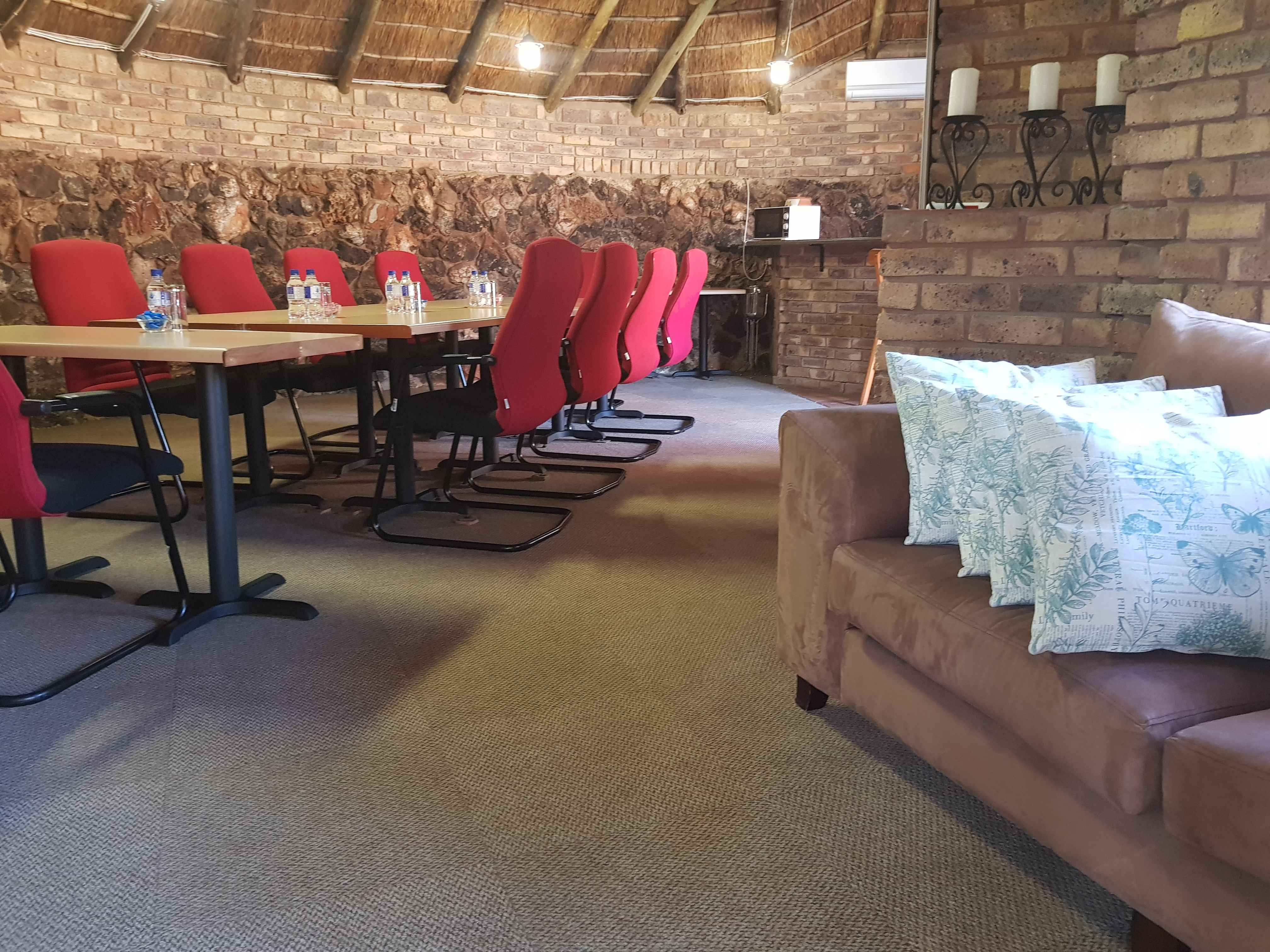 Aandbloem Guest House Conference Venue: Small groups 4 to 10